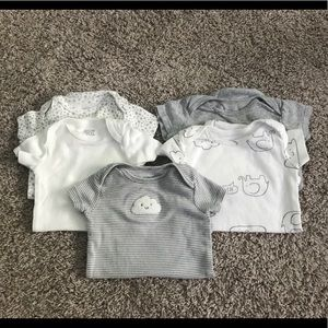 Bundle of 5 short sleeved Carter's onesies GUC